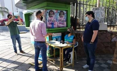 HOY / Viceministro recorrió puntos de venta de tarjetas electrónicas