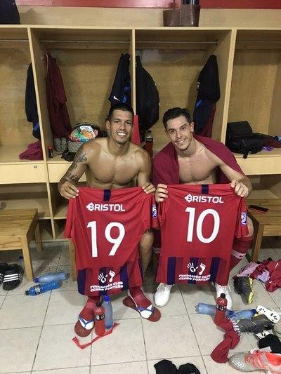 Dos Santos elogia a Churín y deja su afán azulgrana para el argentino