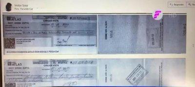 Estafadores dejan millonaria deuda a hombre que perdió sus documentos