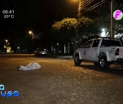 Lanzan cadáver en plena calle de Mariano Roque Alonso