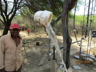 Continúan instalando sistemas de agua