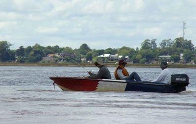 Pescadores temen quedarse sin subsidio por la veda