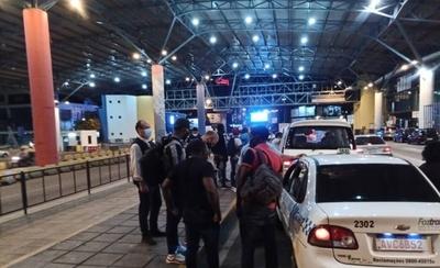 HOY / Puente de la Amistad: rechazaron a 37 extranjeros en controles aleatorios
