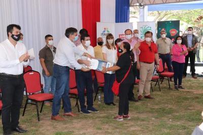 Gobierno entregó obras de desarrollo y aportes por más de 17 mil millones de guaraníes en Misiones