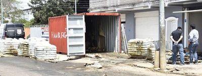 Operativo internacional para conocer las identidades de fallecidos en contenedor