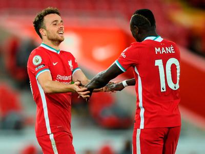 Liverpool llega a la cima en la Premier League