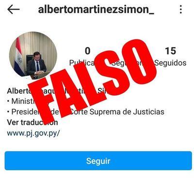 Presidente de la Corte reporta  cuenta falsa de red social