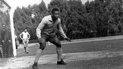 Aparte de ser el rey del gol, Pelé era un excelente arquero