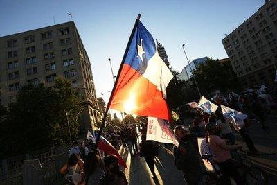 Los chilenos deciden en un Plebiscito Nacional si dejan atrás la Constitución de Pinochet