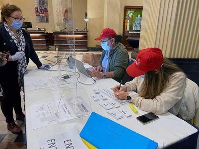 Comienza en Chile la votación del histórico plebiscito constitucional