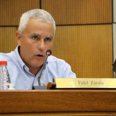 Tras acusación de que ocupa terreno fiscal, Zavala ataca a entes y sector del Congreso
