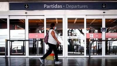Argentina abrirá las fronteras aéreas y marítimas para el turismo