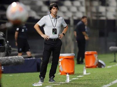 Olimpia destituye a Daniel Garnero