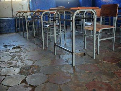 Gobierno oficializa el retorno a las aulas para los alumnos del último año