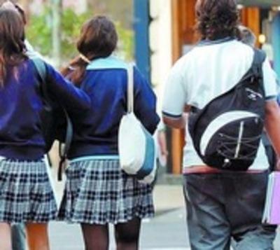 Nuevo Decreto confirma vuelta a clases de alumnos del último año