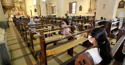 La Nación / Con restricciones, templos podrán recibir a más fieles y alumnos del 3ro. de la media pueden volver a clases