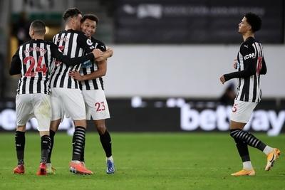 El Newcastle de Almirón rescata un agónico empate