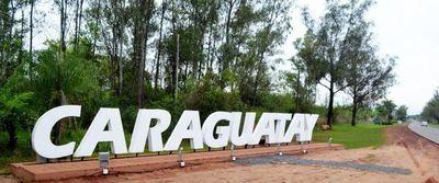 Caraguatay: Aglomeración, música, alcohol y carrera clandestina en la madrugada