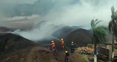 Se incendia cocotera en San Roque González