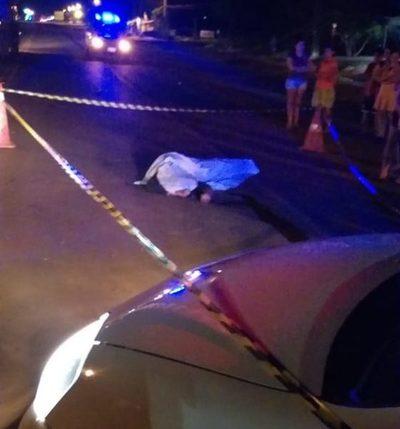 Motociclista muere tras violento choque