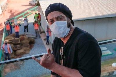 Crónica / ¡Ronaldinho dio positivo al virus vai!