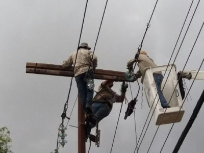 Temporal deja sin energía eléctrica a unos 300.000 usuarios de la ANDE
