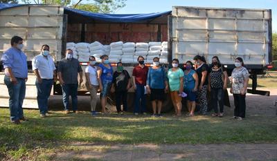 Productores de Simón Bolívar y Santa Rosa del Mbutuy reciben cal agrícola