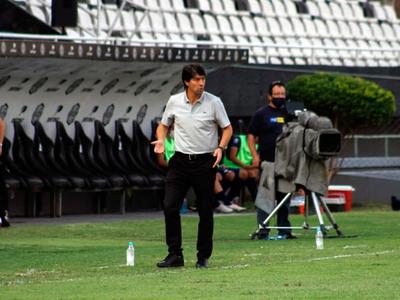 Oficialmente, Daniel Garnero deja de ser entrenador de Olimpia