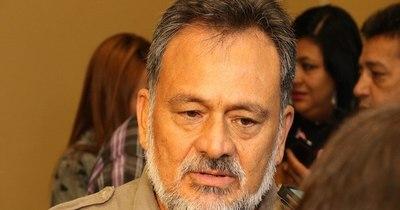 La Nación / Barrios oficializa pedido de pérdida de investidura contra Sixto Pereira
