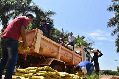Cuatro municipios reciben 35.000 kilos de alimentos
