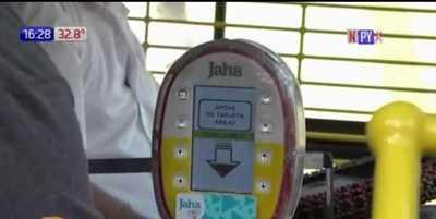 Multan a más de 10 empresas de transporte por cobrar en efectivo