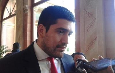 """Asesor de Abdo sobre afirmaciones de Duarte Frutos: """"Estoy en el medio, el presidente me ordenó trabajar por la unidad"""""""