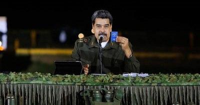 La Nación / Maduro disfruta, Venezuela sufre y algunos políticos opositores celebran