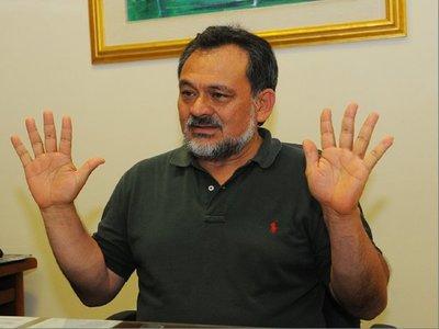 Pérdida de investidura: Sixto Pereira apunta a molestia de grupos económicos por tierras