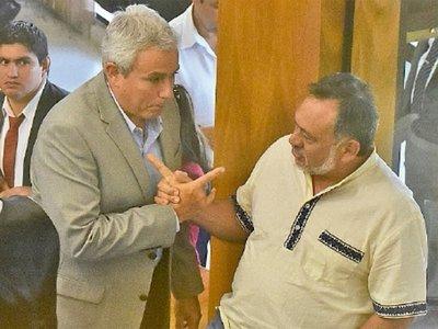 Zavala y Sixto se suman a la lista de pedidos de expulsión del Senado