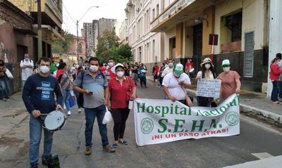 Reactivan  protestas por nivelación de salarios