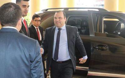 Programas sociales: Agujero de US$ 10 millones en gestión del ministro Mario Varela