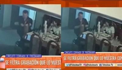 Filtran vídeo de Friedmann manipulando un arma ante Nancy Quintana