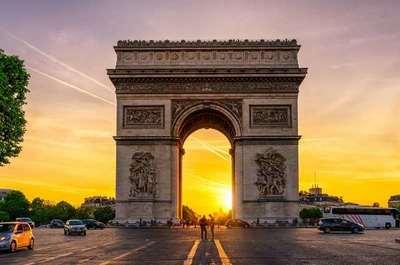 Arco del Triunfo de París es evacuado por amenaza de bomba