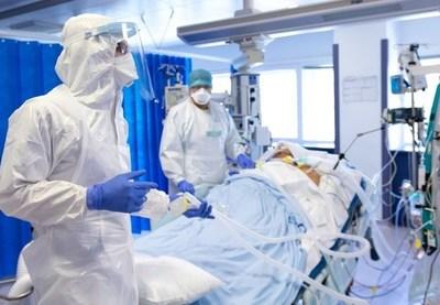Covid-19: Gremio médico desmiente disminución de contagios y advierte sobre alta cantidad de decesos