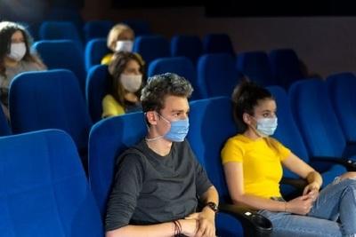 Cine retoma actividades tras meses de cierre