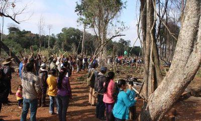 Grupos de ocupantes de tierra se balean: un muerto, policía no se mete por temor