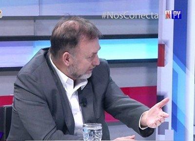 Benigno López oficializa renuncia como ministro de Hacienda