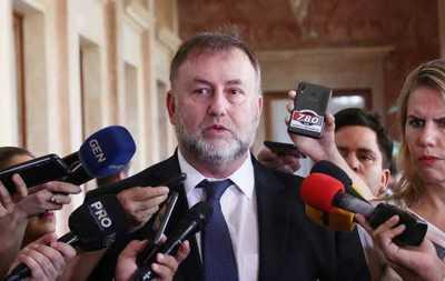 Benigno López oficializó su renuncia al Ministerio de Hacienda