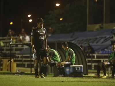 Olimpia pierde a Torres y De la Cruz por dos partidos