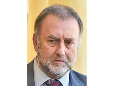 Benigno ya renunció y se espera decisión sobre sucesor