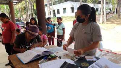 Instituciones asisten a nativos del departamento