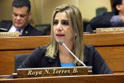 Roya Torres: «No podemos permitir leyes que atenten contra el pueblo paraguayo»