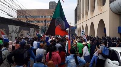 Campesinos critican desatención de Gobierno pese a acuerdo firmado