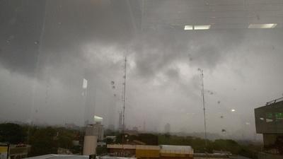 Emiten alerta por probable tiempo severo para el norte y el Chaco